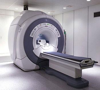 Для диагностики компрессионных переломов необходимо сделать магнитно-резонансную томографию