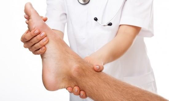 Медицинская помощи при нарушении целостности костной системы пальцев на нижней конечности